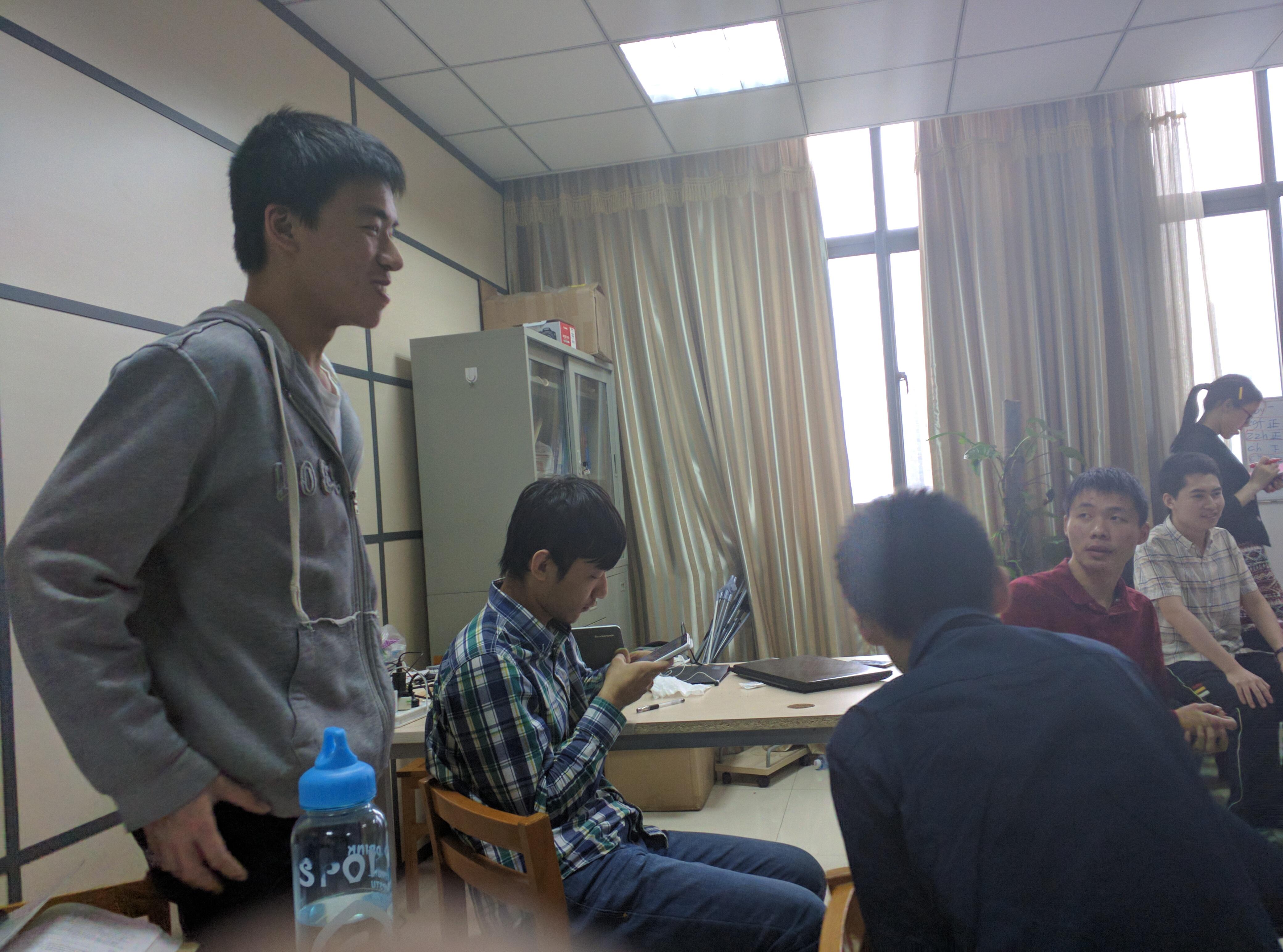 曾键同学发表演讲
